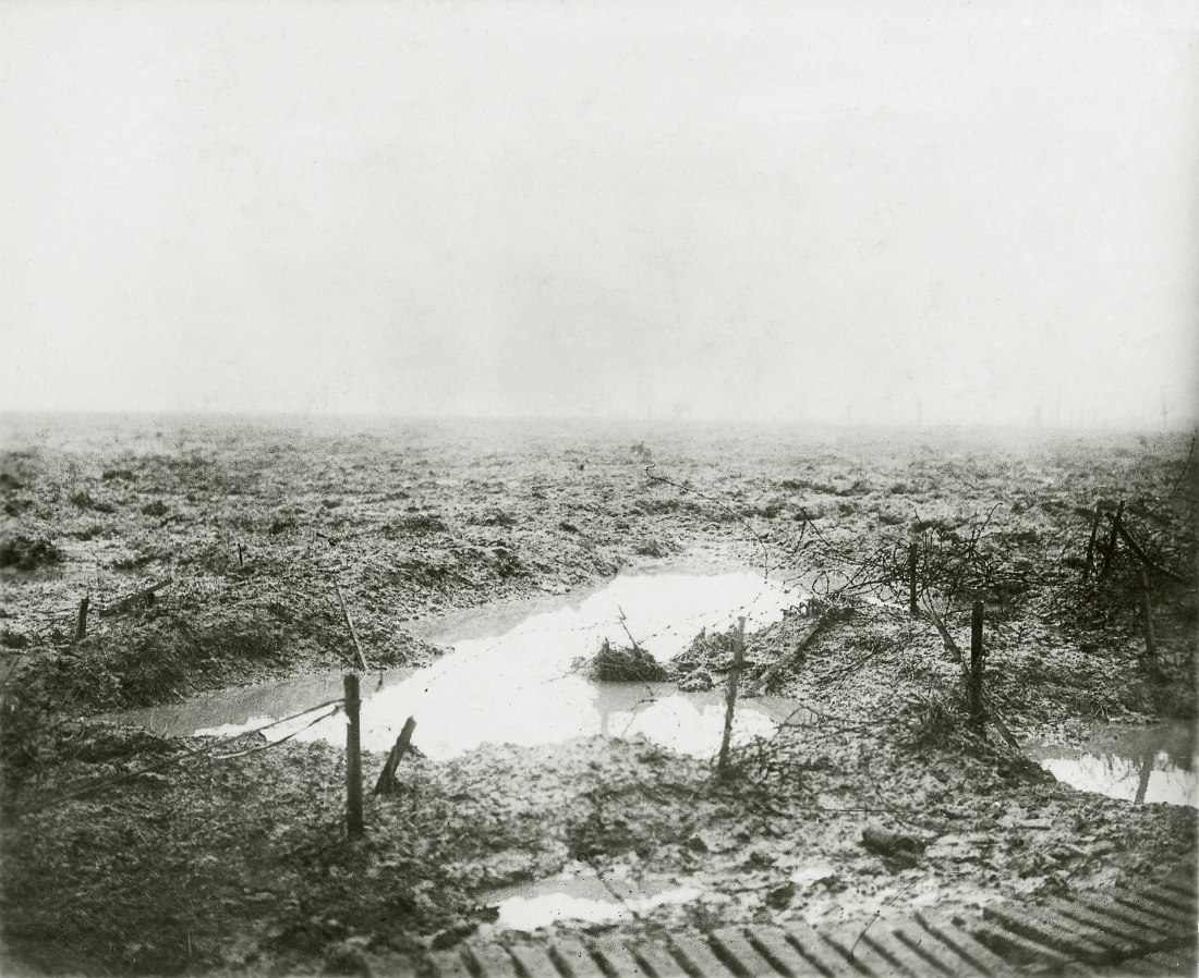 1920px-Second_Battle_of_Passchendaele_-_Barbed_wire_and_Mud